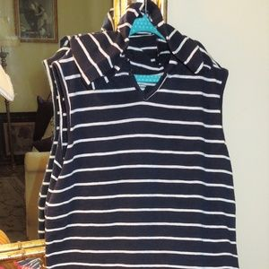 Girls Old Navy Sz 14  Navy/White hooded Coverup